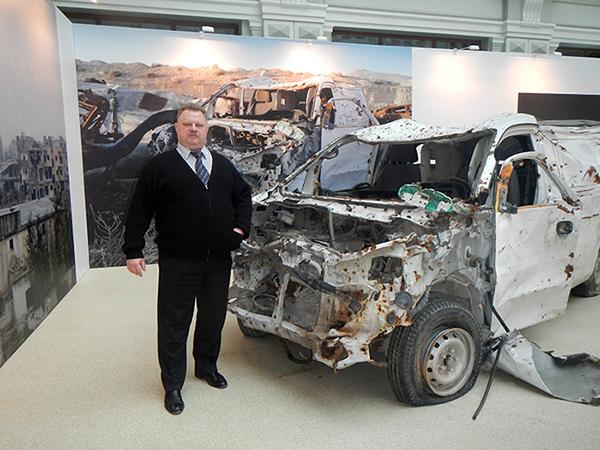 Vladislav Shurigin at a Material Evidence exhibit in Moscow
