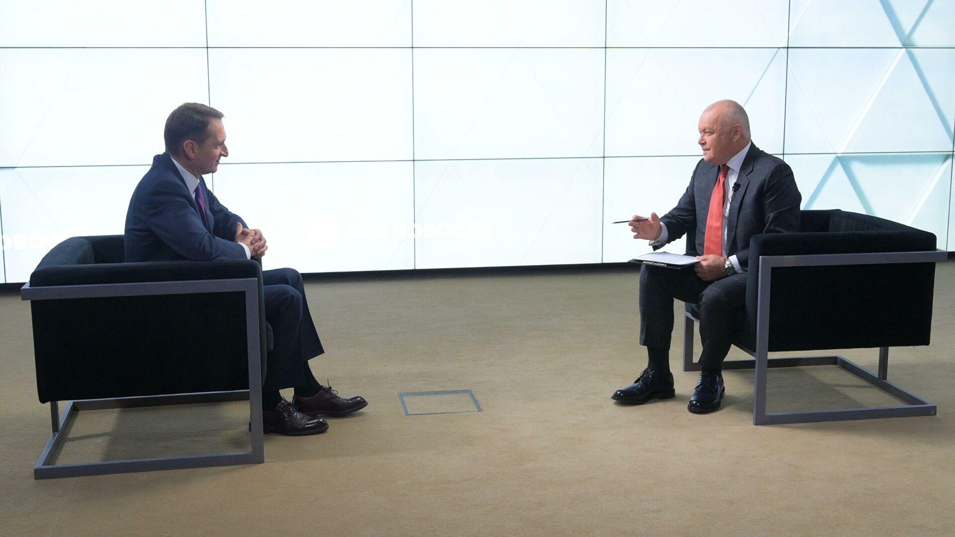 SVR Director Sergei Naryshkin is interviewed by Dmitry Kiselyov, TV anchor and general director of Rossiya Segodnya (Source: RIA Novosti)