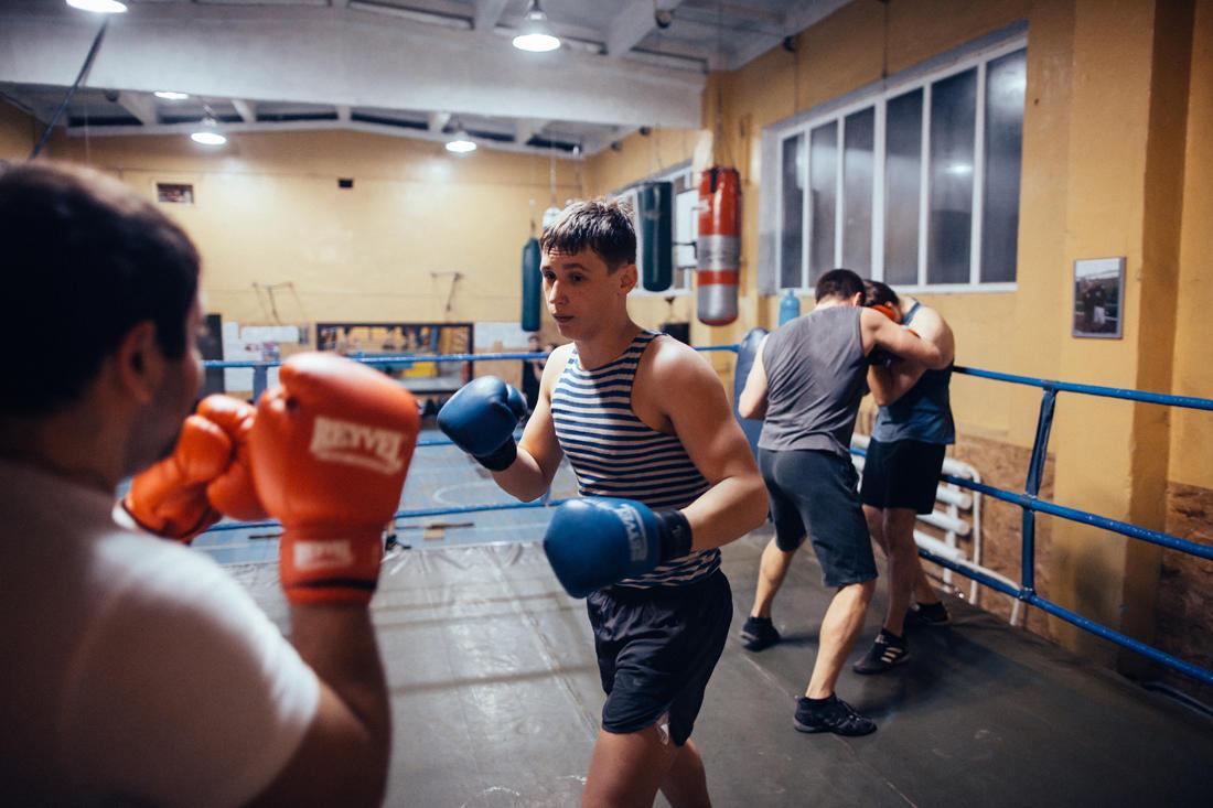 Ein privater Boxclub am Rande der Stadt. - Foto: Max Avdeev / Port