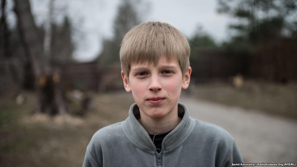 """1 - Bohdan: """"Mein Traum ist es, einen LKW zu fahren. Ich freue mich darauf, wenn ich 18 werde und meine Führerschein machen kann."""""""