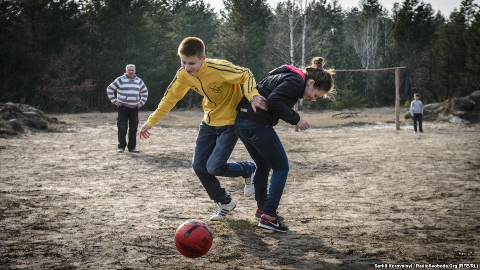 2 - Sport, Spiele und andere Aktivitäten sind ein wichtiger Teil der Rehabilitation für die Kinder.