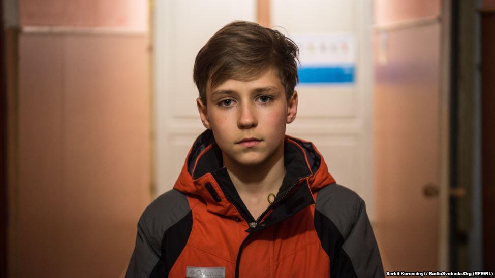 """8 - Kyryl: """"Ich träume von der Rückkehr nach Luhansk und in unserer alten Wohnung zu wohnen. Vielleicht werde ich in der Zukunft in eine andere Stadt ziehen, aber aus freiem Willen, nicht wegen des Krieges."""""""